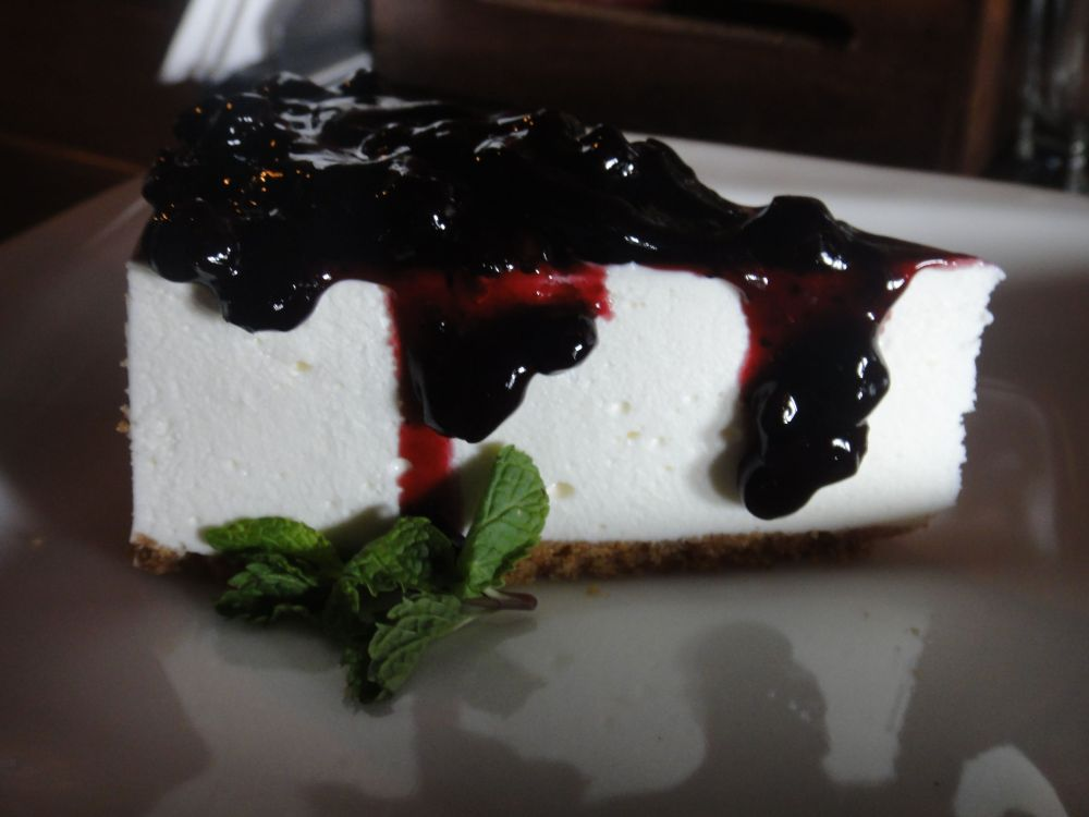 Blueberry Cheesecake @Qubitos. Rating- 3.5/5