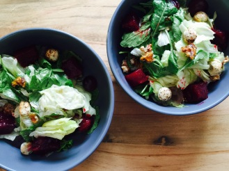 spinach and arugula salad with sherry vinegerette