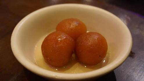 Gulab jamuns
