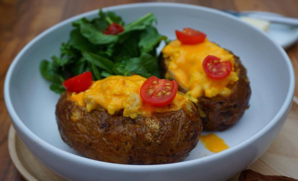 baked-potato-eggs