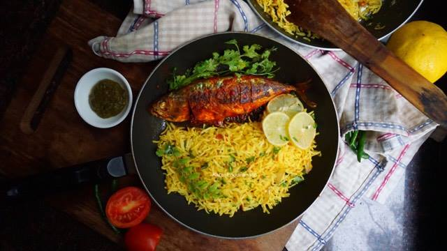 Lemon rice with spicy mackerel