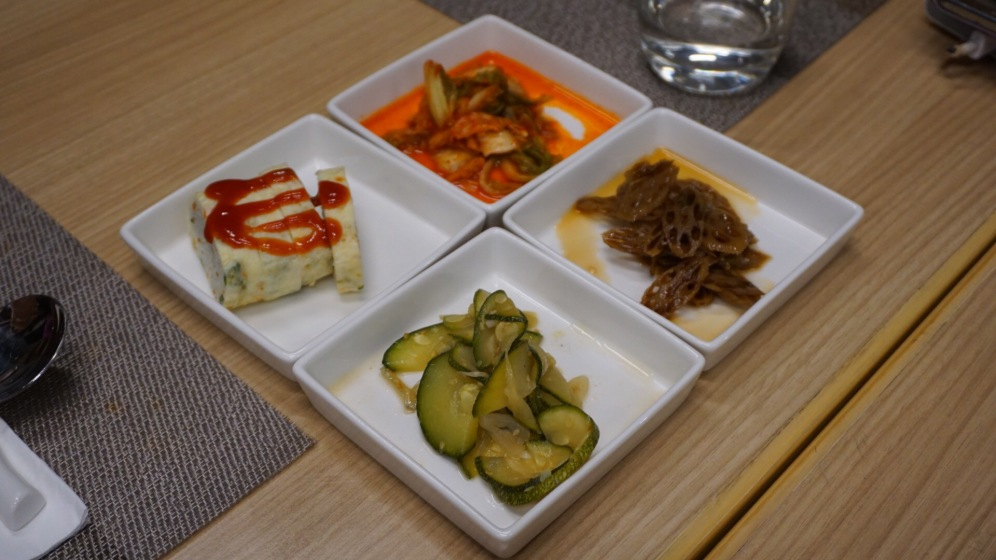 Condiments at Hahns Kitchen