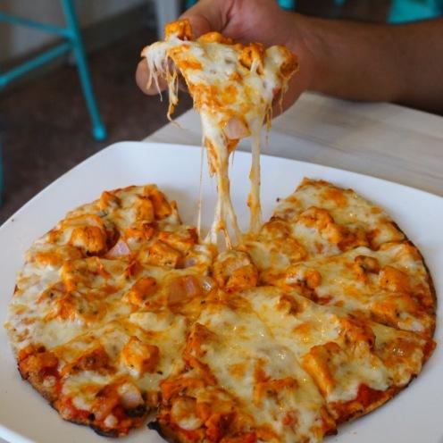Makhni Chicken Pizza