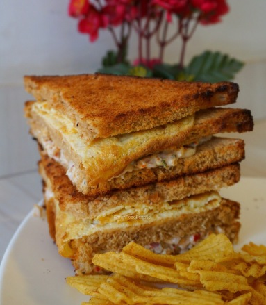 Triple layer chicken club sandwich