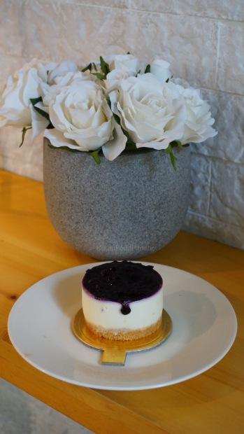 Blueberry White Chocolate Cheesecake