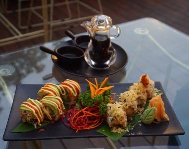 Spicy avocado and prawn tempura sushi