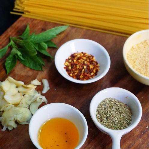 spaghetti aglio e olio ingredients