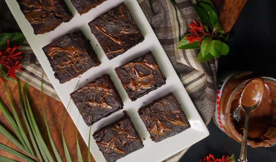 Dark Chocolate Cakey Brownies