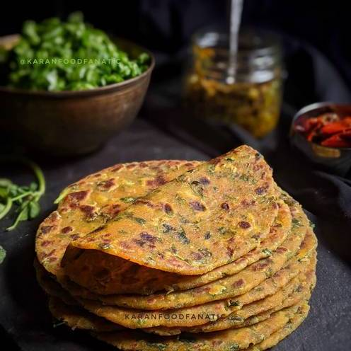 Serve methi thepla with pickle